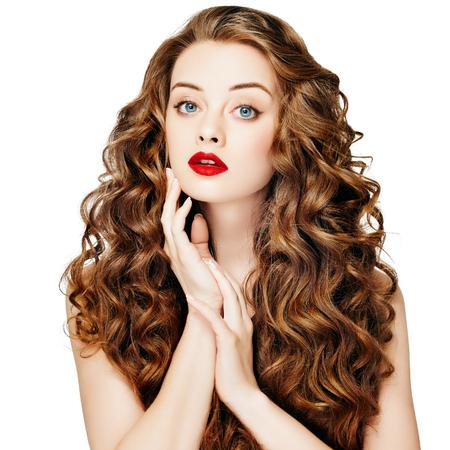 Foto de Beautiful people. Curly Hair Red Lipsq. Fashion Girl With Healthy Long Wavy Hair. Beauty Brunette Woman Portrait.Hair Extension, Permed Hair - Imagen libre de derechos