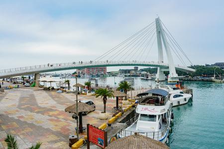 Photo pour Taipei, JAN 5: The Lover's Bridge of Tamsui Fisherman's Wharf on JAN 5, 2019 at Taipei - image libre de droit