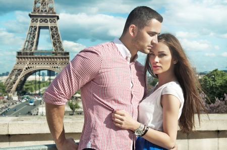 Photo pour Young couple loving each other - image libre de droit
