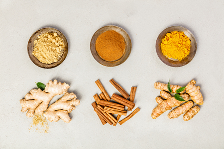 Photo pour Ginger, turmeric and cinnamon - image libre de droit