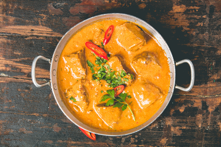Photo pour Traditional curry on dark background - image libre de droit