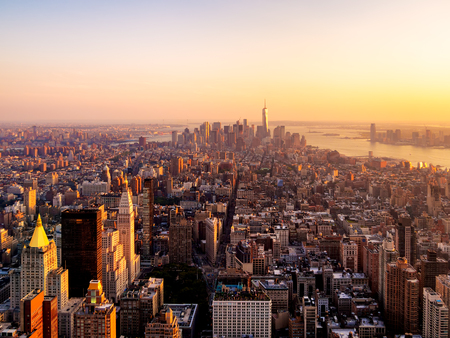 Photo pour New York City at sunset - image libre de droit