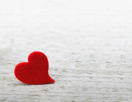 Foto de valentines day background with one heart on wooden background - Imagen libre de derechos