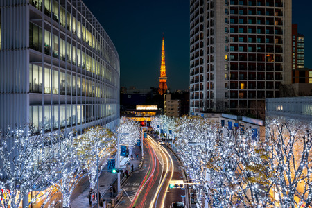 Photo pour Tokyo Tower with Christmas illumination at Roppongi - image libre de droit