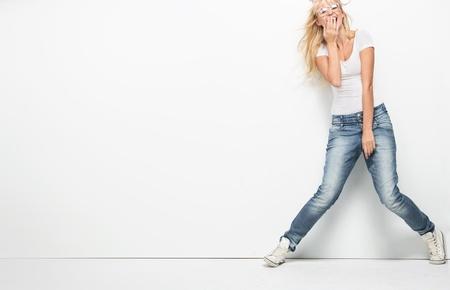 Foto de Young blonde lady in casual clothes - Imagen libre de derechos