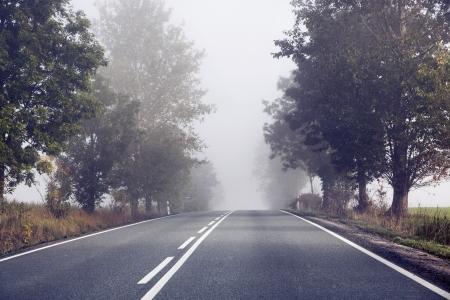 Photo pour Empty road behind the countryside - image libre de droit