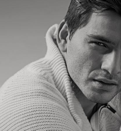 Foto de Portrait of really handsome young man - Imagen libre de derechos