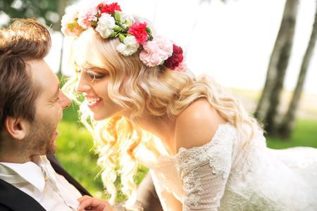 Foto de Young marriage couple during the honeymon - Imagen libre de derechos