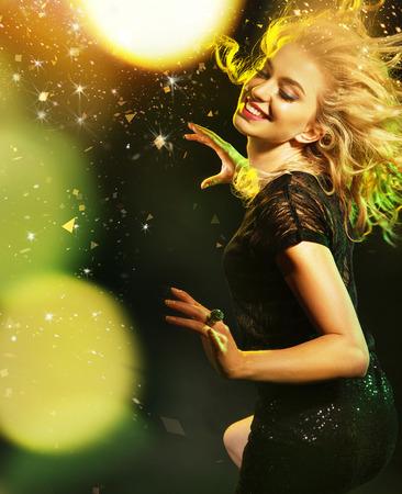 Foto de Fashionable picture of partying woman - Imagen libre de derechos