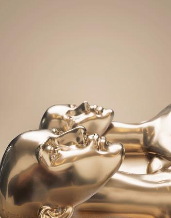 Photo pour Golden scuplture of human - work of art - image libre de droit