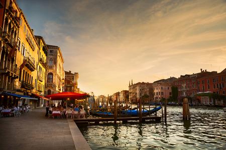 Photo pour Grand Canal after sunset, Venice - Italy - image libre de droit