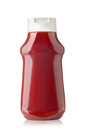 Photo pour Bottle of Ketchup isolated on white background with clipping path - image libre de droit
