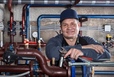 Photo pour Portrait of plumbing engineer - image libre de droit