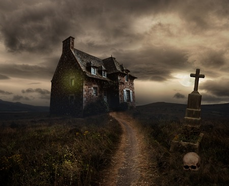 Photo pour Apocalyptic Halloween scenery with old house, skull and grave - image libre de droit