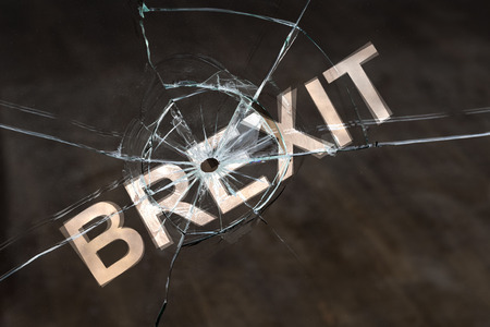 Photo pour Concept of delaying or canceling brexit. Delay of the UK exit from the European Union - image libre de droit