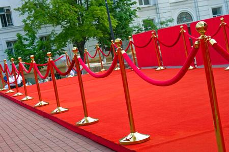 Photo pour Way to success on the red carpet (Barrier rope) - image libre de droit