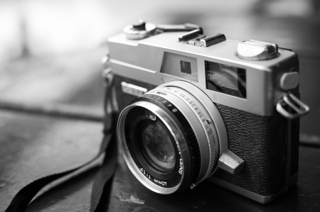Foto de Film cameras that had been popular in the past - Imagen libre de derechos