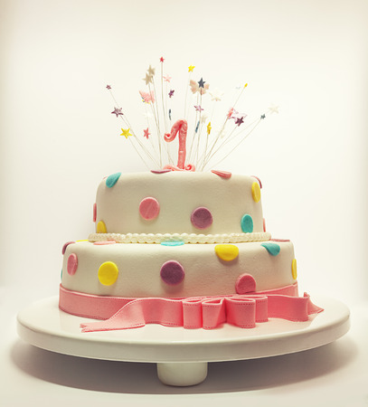 Photo pour Cake for first birthday, number one made of sugar on top with stars around it   - image libre de droit