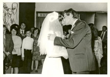 Photo pour newlyweds - circa 1975  - image libre de droit
