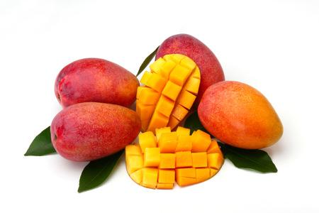 Photo pour mango isolated on white background - image libre de droit