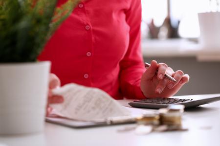 Photo pour Medic Woman Calculating Medicine Insurance Profit - image libre de droit