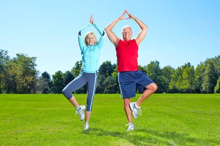 Photo pour Gym, Fitness, healthy lifestyle. - image libre de droit