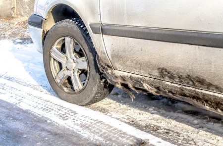 Foto per Dirty cars in winter - Immagine Royalty Free