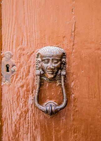 Photo pour Old door with handle in Malta - image libre de droit