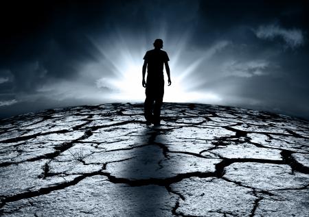 Foto de A depressed teenager walking towards the light - Imagen libre de derechos