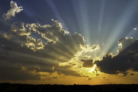 Photo pour Dramatic sunbeams and storm clouds over Maine  - image libre de droit