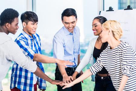 Photo pour Tech entrepreneurs with team spirit and motivation - image libre de droit