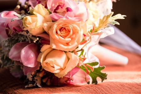Photo pour Beautiful wedding Flower bouquet in church - image libre de droit