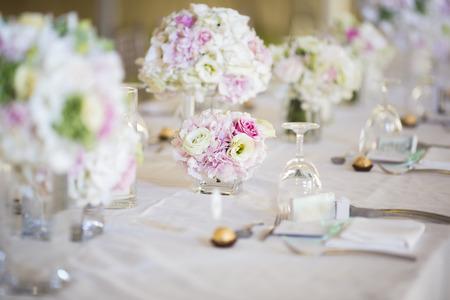 Foto de Wedding table setting - Imagen libre de derechos