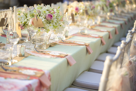Foto de Table setting for an wedding reception - Imagen libre de derechos