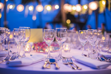 Foto de Table setting for wedding reception or event - Imagen libre de derechos