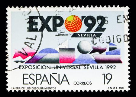 Foto de MOSCOW, RUSSIA - MAY 10, 2018: A stamp printed in Spain shows EXPO - 92. The Age of Discoveries, Expo Sevilla - 92 serie, circa 1987 - Imagen libre de derechos