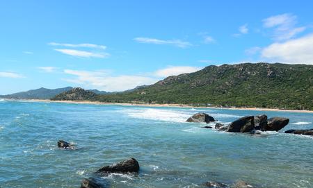 Photo pour Seascape of Nha Trang Bay, Khanh Hoa Province, Vietnam. - image libre de droit