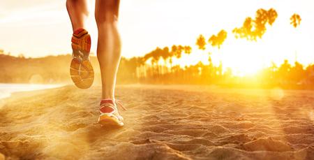 Photo pour Running at the Beach - image libre de droit