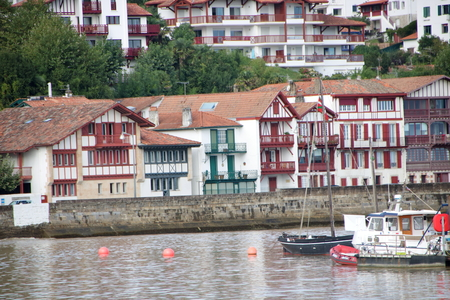 Photo pour View of the port of Ciboure and Saint Jean de Luz. AT CIBOURE - FRANCE - image libre de droit