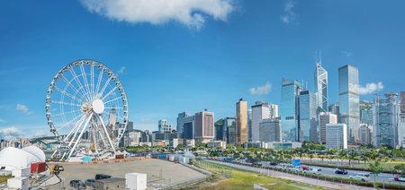 Photo pour Skyline of Hong Kong city - image libre de droit