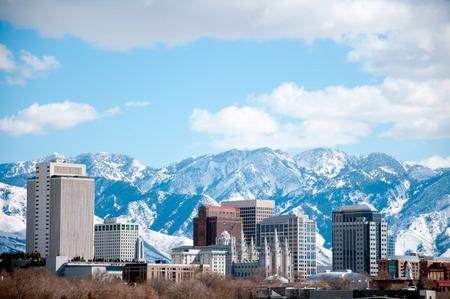 Foto de Winter daytime shot of Salt Lake City. Featured is the temple from the Church of Jesus Christ of Latter Day Saints or the Mormons - Imagen libre de derechos