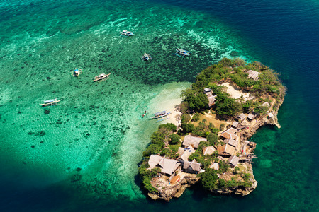 Photo pour Aerial view of beautiful bay in tropical Islands with very white sand. Boracay Island, Philippines. - image libre de droit