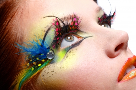Photo pour Gorgeous Young model beautiful women with perfect art make up and long false eyelashes made from feathers - image libre de droit