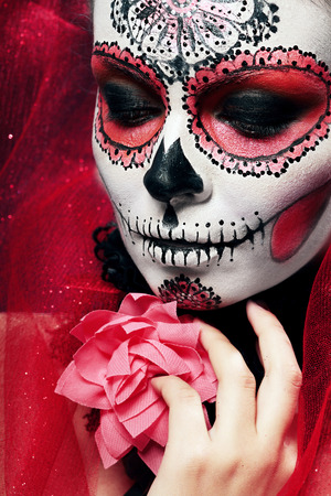 Photo pour halloween make up sugar skull beautiful model with perfect hairstyle. Santa Muerte concept. - image libre de droit
