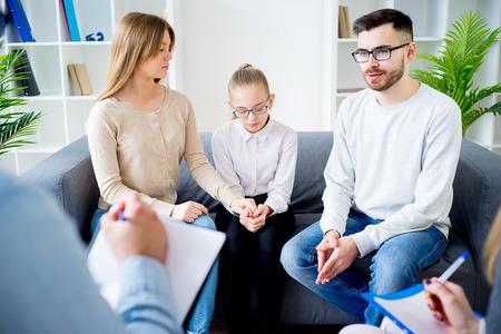 Photo pour Family with psychologist - image libre de droit