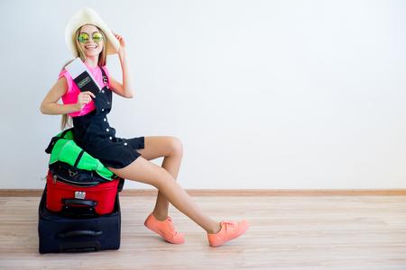 Photo pour Luggage overweight concept - image libre de droit
