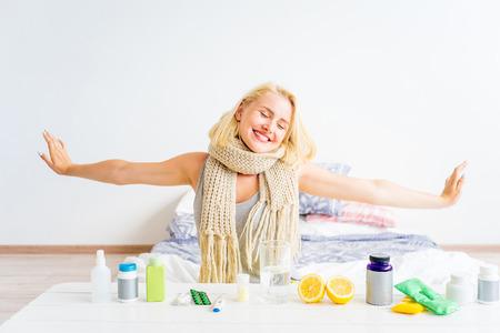 Foto de Girl having flu - Imagen libre de derechos