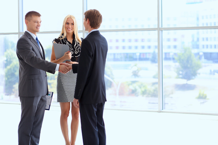Photo pour Business people shaking hands after meeting . - image libre de droit