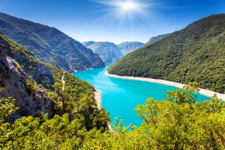 Photo pour The Piva Canyon with its fantastic reservoir. Montenegro, Balkans, Europe. Beauty world. - image libre de droit