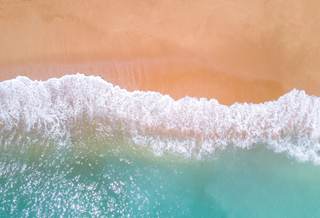 Foto de Aerial view of tropical sandy beach and ocean. - Imagen libre de derechos